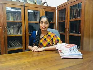 Ms.Thashila Yohani (B.A (Kelaniya), MSSC (Kelaniya), (Reading))